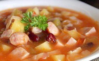 суп из говядины с сосисками
