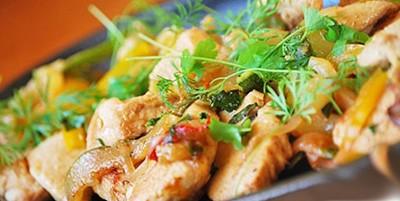 жаркое куринное филе на сковороде