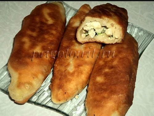Пирожки с яйцом и луком жаренные на сковороде
