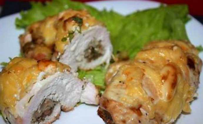 Куриное филе с грибной начинкой