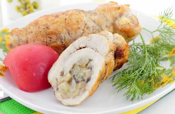 Куриные рулетики с грибами и сыром