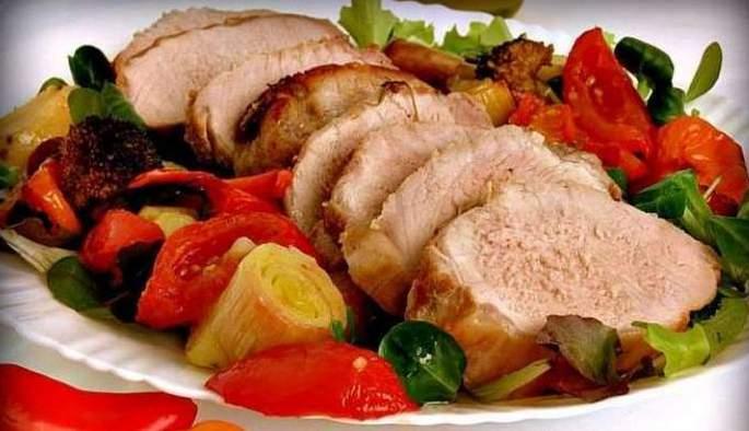 Свинина в духовке с овощами