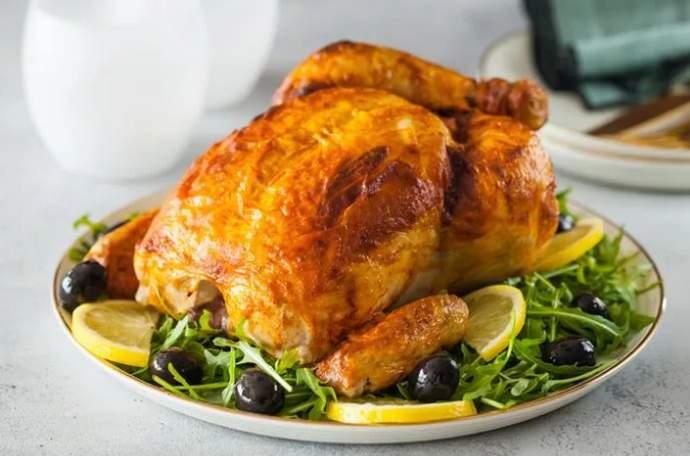 Курица в духовке на соли