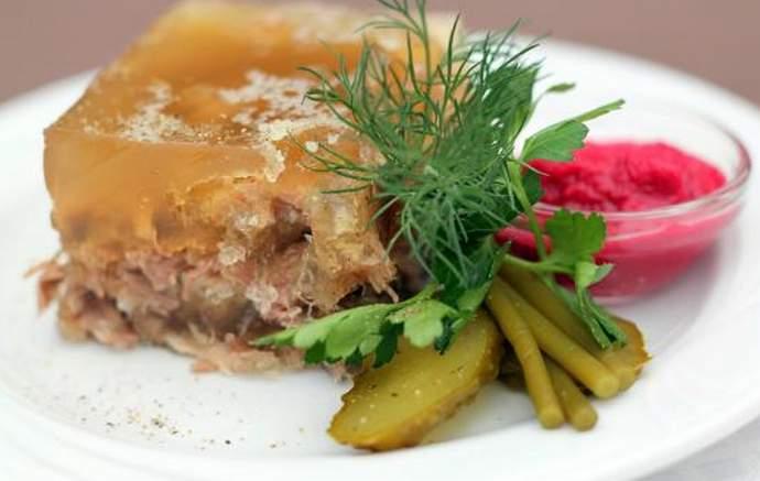Классический рецепт холодца из свиных ножек