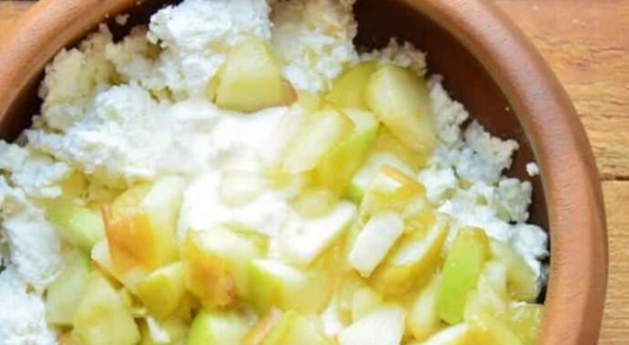 готовим творожно-яблочную начинку
