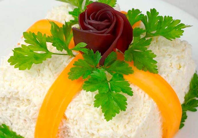 Новогодний салат Подарок