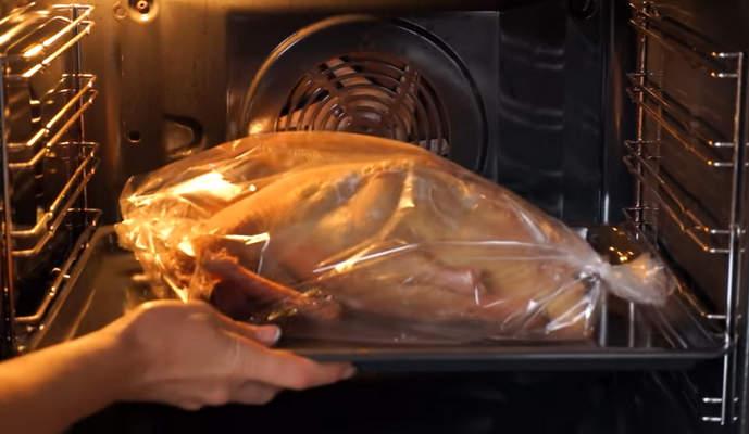 запекаем утку в духовке