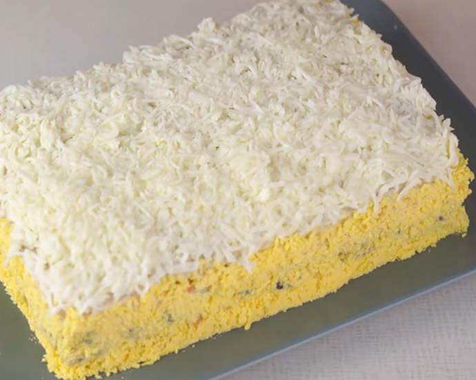 украшаем мясной торт