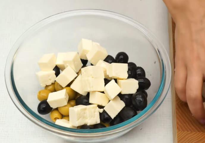 сыр в миске