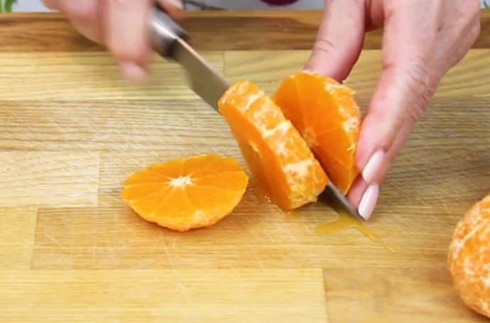нарезаем мандарины