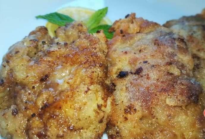 вкусная куриная печень жаренная в кляре на сковороде