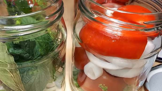 помидоры и лук