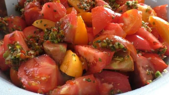 даем помидорам настояться 30 минут
