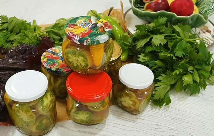 Маринованные зеленые помидоры с зеленью на зиму