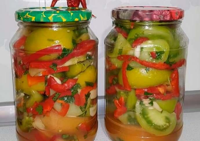Простой рецепт зеленых помидоров на зиму в банке без стерилизации